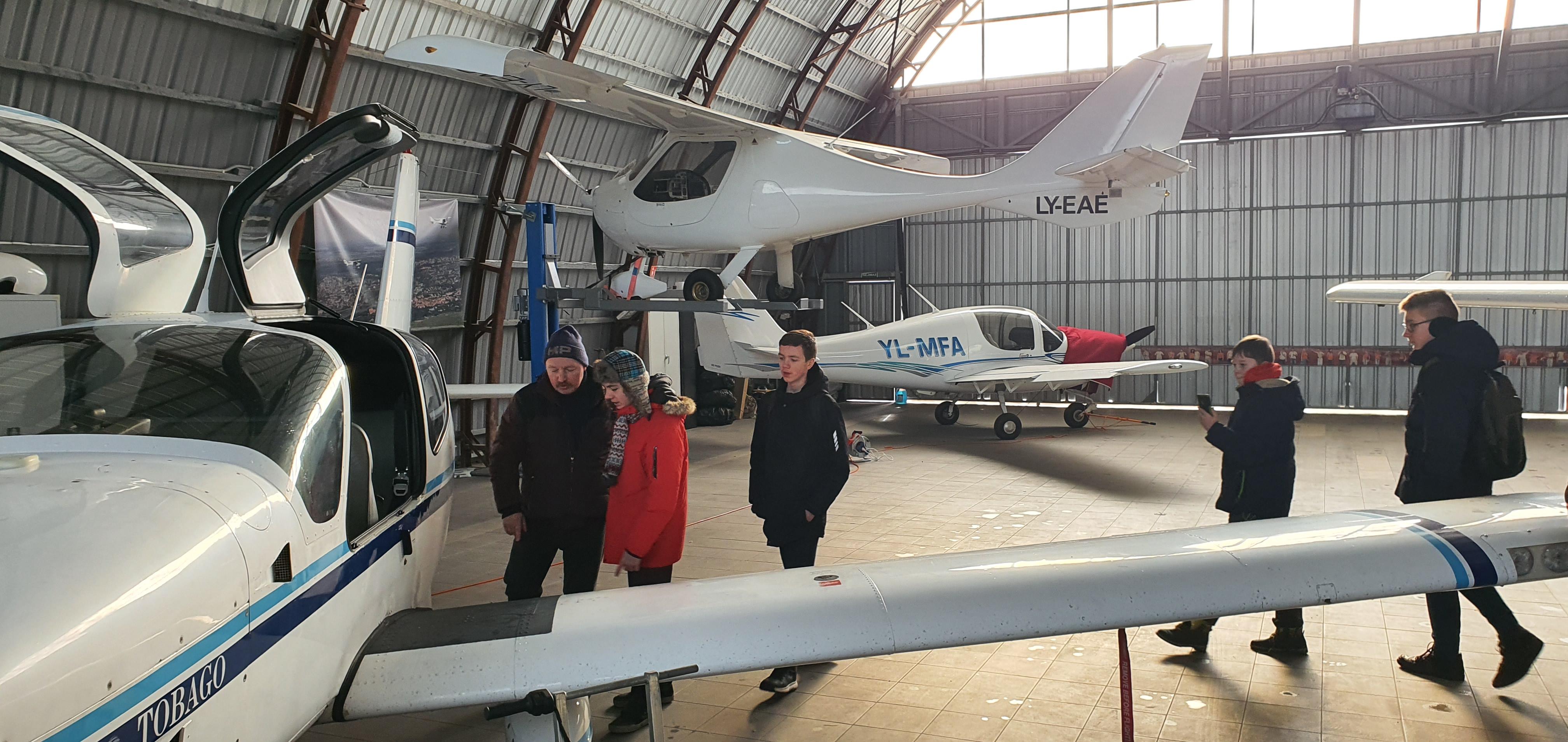 Vaiku aviacija